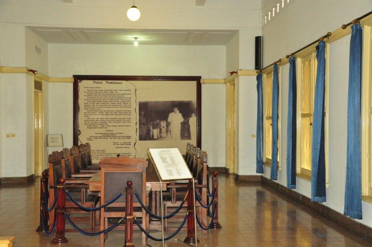Ruang Pengesahan tempat disetujuinya konsep naskah proklamasi