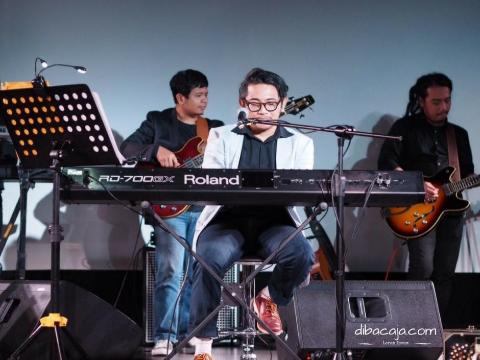 peluncuran album rajakelana mondo gascaro auditorium ifi